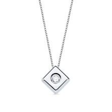 Colgante con diamante Talla brillante 0.070 kilates, largo 44cm Este preducto se entrega estuchado y envuelto para regalo