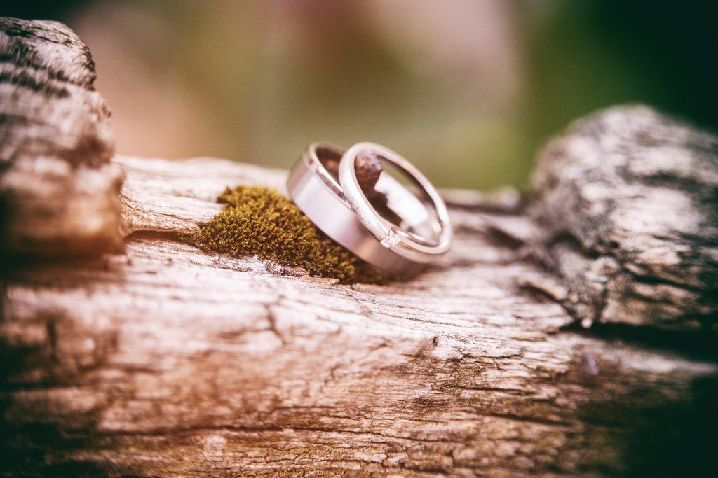 Detalles elegir alianzas de boda