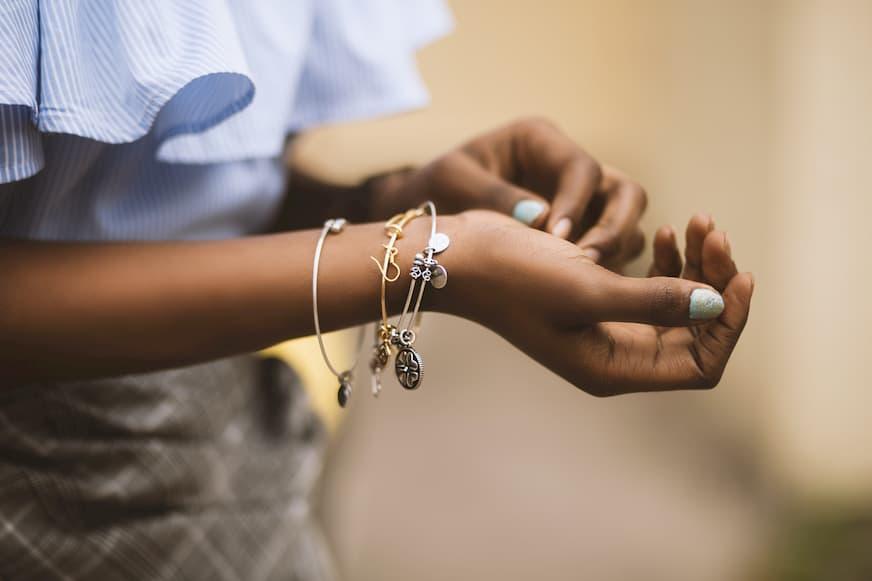 Trucos para limpiar la joyería de plata de forma fácil