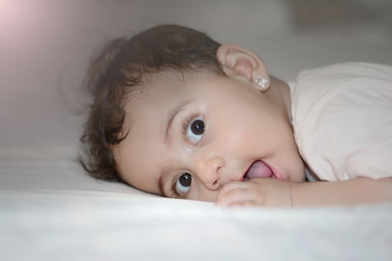 Cómo elegir los pendientes para bebés