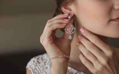 Los tipos de joyas para bodas según el portador
